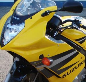 moto12-300x285